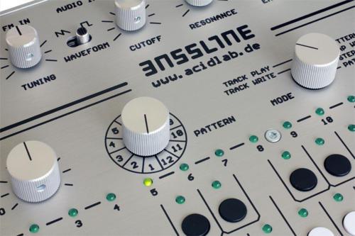 bassline3_silver_enlarge1